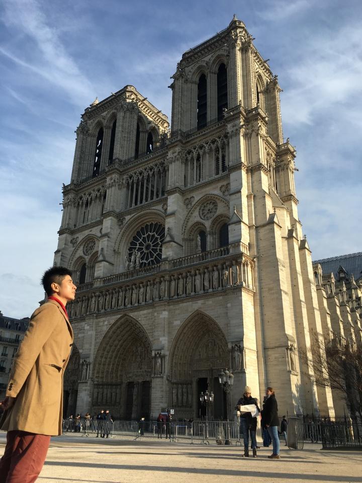 Christmas in Paris: Sehari dengan sejuta kenanganmagis