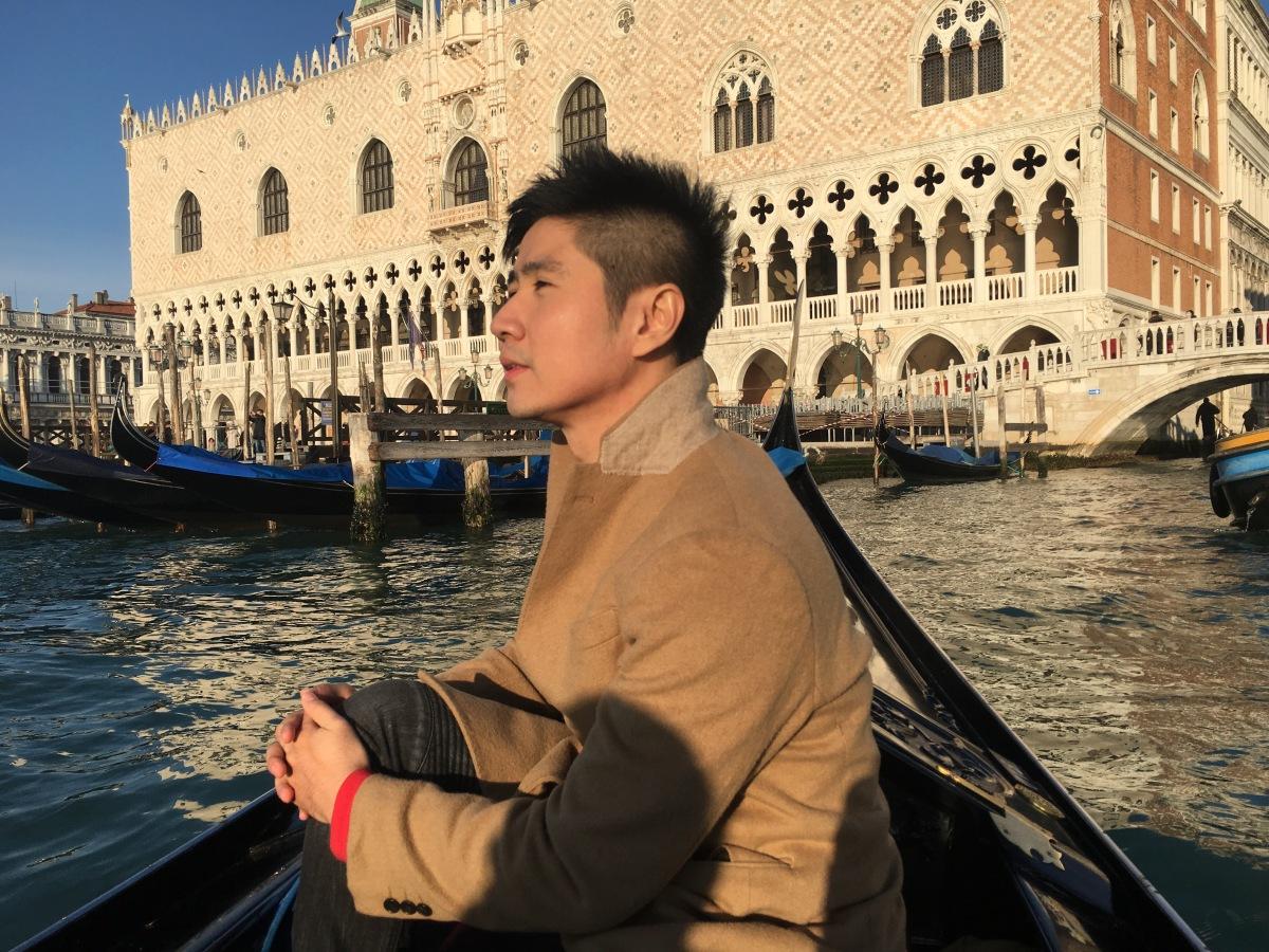 Menjejaki Aliran Puisi Kota Venice