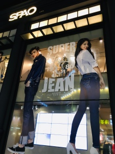 Myeongdong at night offers a mix of everything. Its streets are lined with various shops that include international brands like ZARA, H&M, Uniqlo, Adidas and homegrown Korean fashion brands like Who A.U, Beanpole and SPAO
