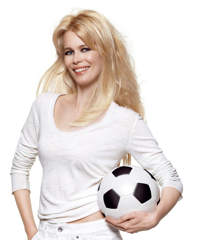 Claudia Schiffer, germans model. Picture courtesy by fanpop.com
