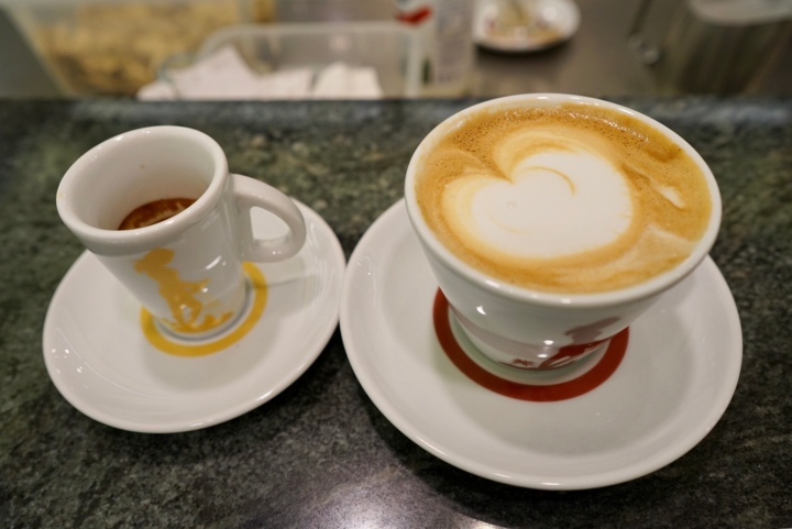 Un caffè - a shot of espresso and Cappuccino!
