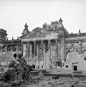 reichstag_after_bombing_670