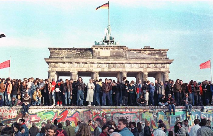 the_story_of_berlin_wall (1)