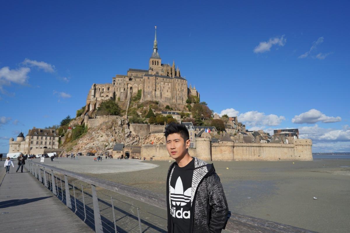 Sehari di Mont Saint-Michel. Kastil Disney di Dunia Nyata